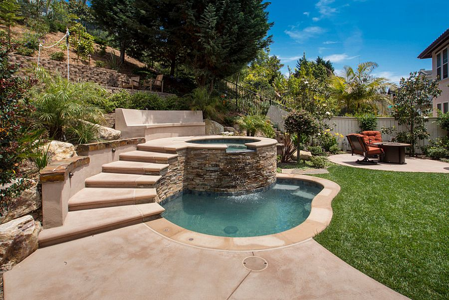 A-small-pool-recreation-areas-photo-03