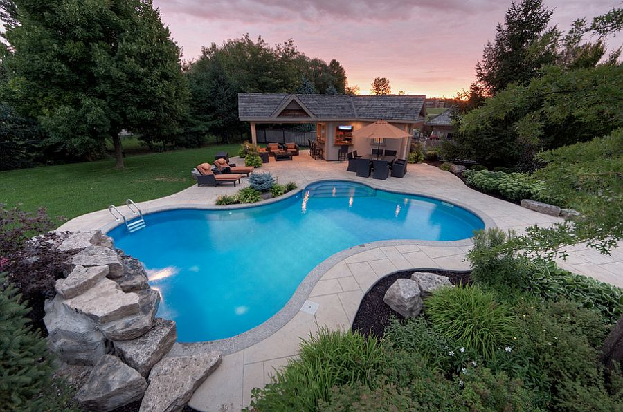 A-small-pool-recreation-areas-photo-12