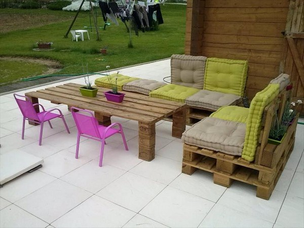 Pallet-Furniture-12-The-ART-In-LIFE