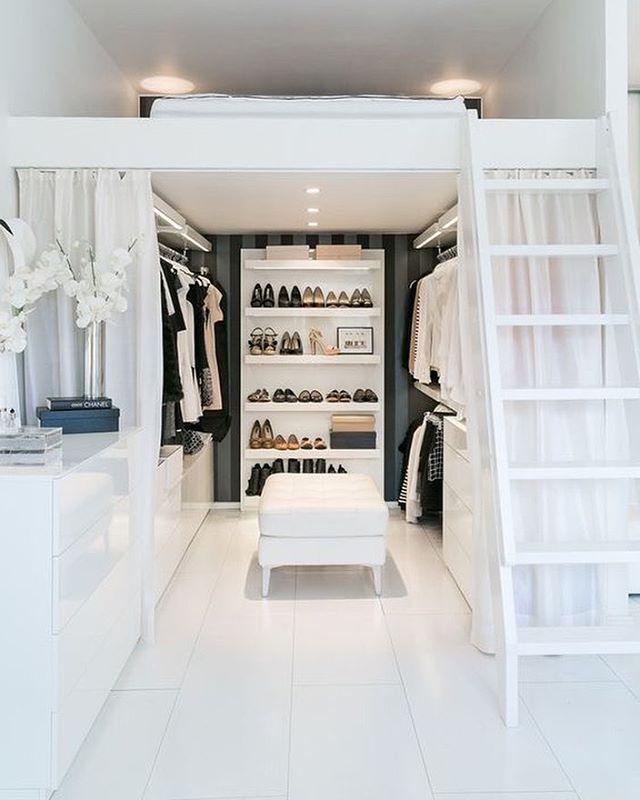 gorgeous-space-saving-walk-in-closet-idea