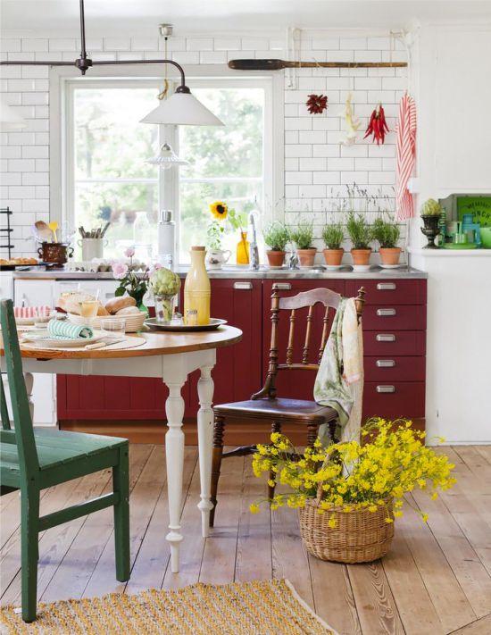 Природные-оттенки-в-интерьере-дачной-кухни