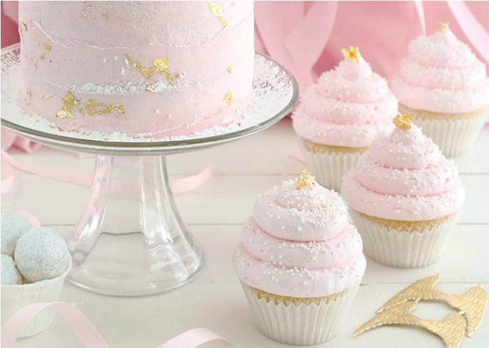 Pink-Champagne-and-Gold-Leaf-Cupcakes