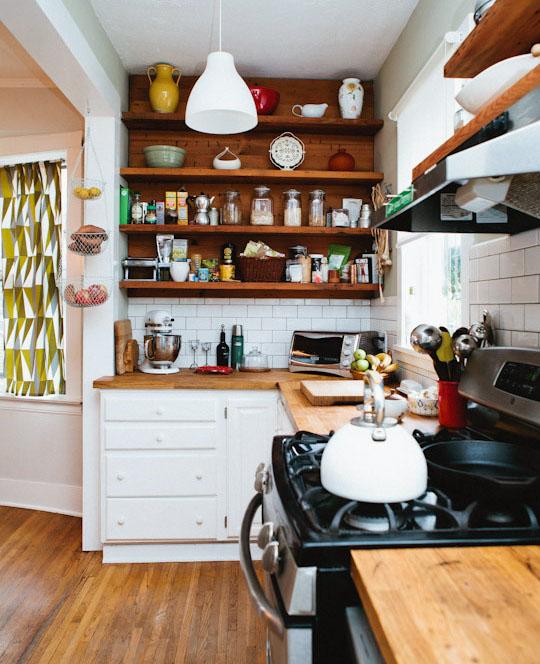 charley_jessica_small-kitchen