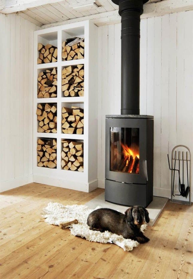 wood_stove_small_room