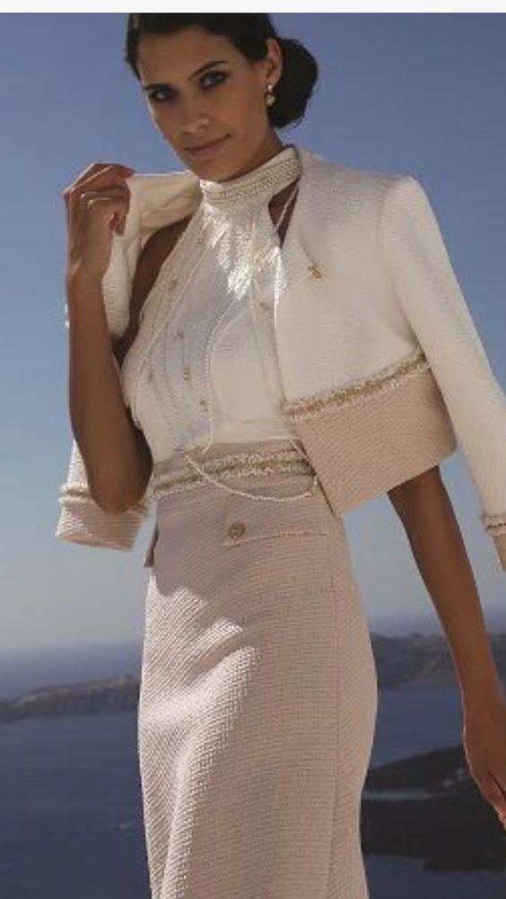 Костюмы в стиле Chanel - вечная классика