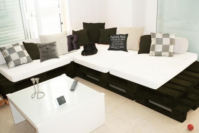 pallet-sofa-3