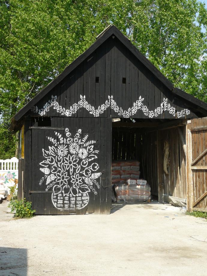 zalipie-poland-painted-village-flowers-34