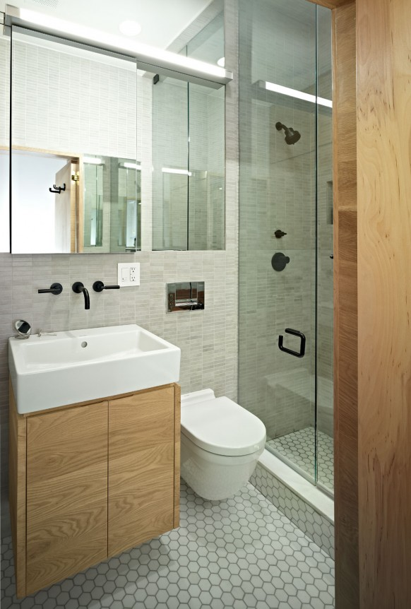 E-Village-Studio-modern-bath-582x862