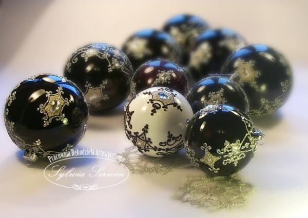 bombki-czarno-bale