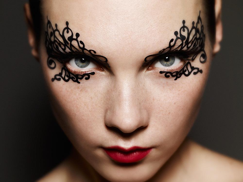 eyelaces-swirlyque-front