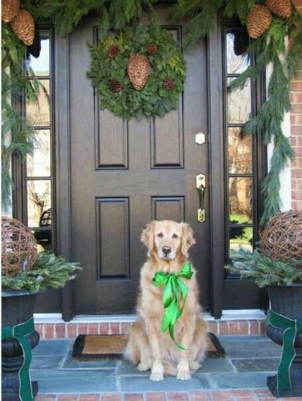 Christmas-Porch-Decorating_02