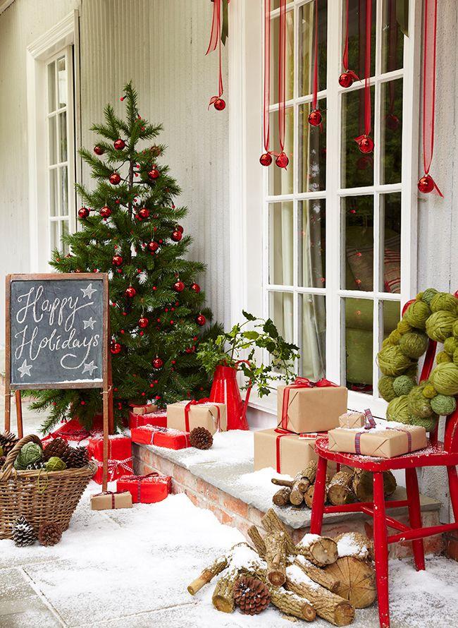 Christmas-Porch-Decorating_49