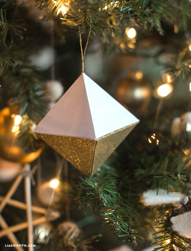 Geode_Ornaments_Paper_Christmas_DIY