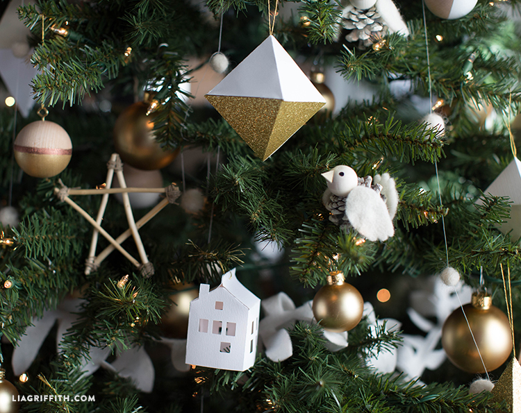 Michaels_Dream_Christmas_Tree_Ornament_Details