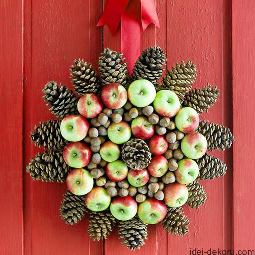 marvelous-decoration-ideas-for-christmas-with-natural-pine-flower-strung-round-be-equipped-red-green-apple-fruit-including-cereals-mounted-on-the-red-door-exterior-design-ideas-as-well-as-xmas-decorat