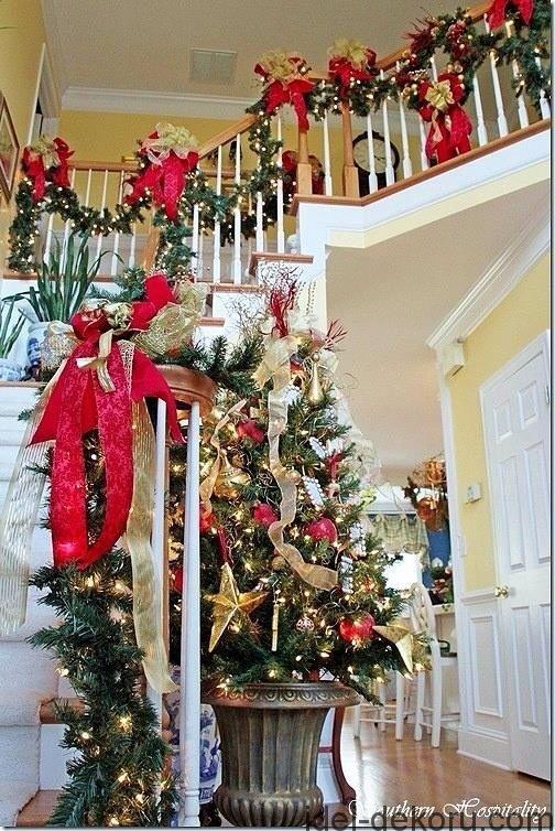 Christmas Staircase Style