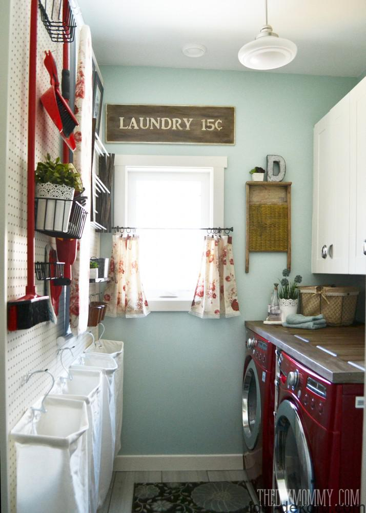 Vintage-Red-Aqua-Pegboard-Laundry-Room-Design-Ideas-2-714x1000