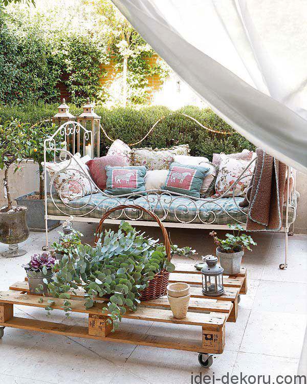 beds-in-garden-43