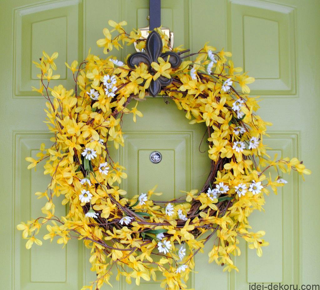 Весенний-декоративный-венок