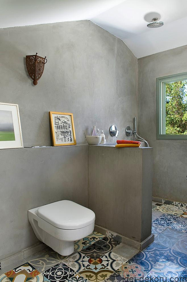 db8-eclectic-bathroom
