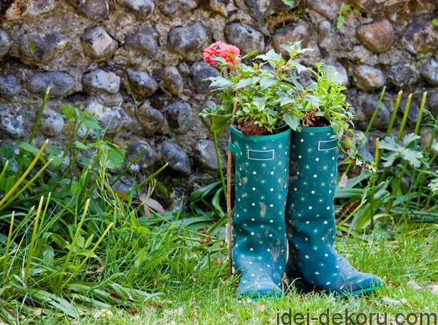 wellington-boots-and-flowers
