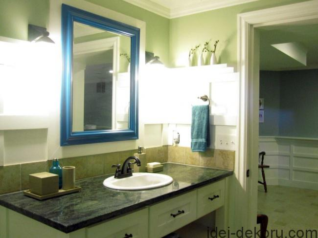 14101760-R3L8T8D-650-bathroom-mirror-in-peacock-overall