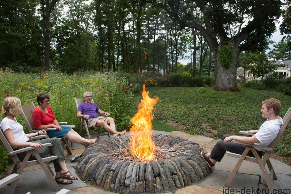 CI-Gregory-Lombardi-Landscape-Design_wood-burning-fire-pit_s4x3.jpg.rend.hgtvcom.966.644