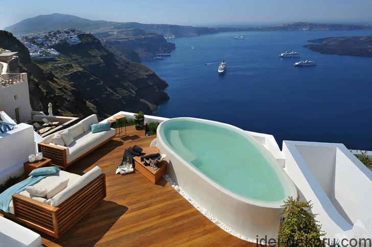 aqua-luxury-suites-santorini-pufihomes-11a