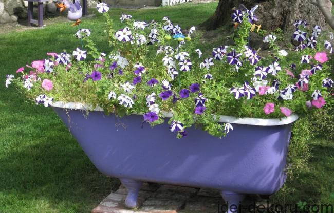 purplebathtub-650x416