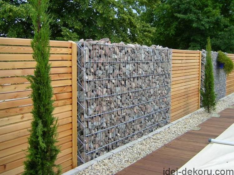 ideas-for-garden-fencing-Garden-fence-of-natural-stone-and-wood
