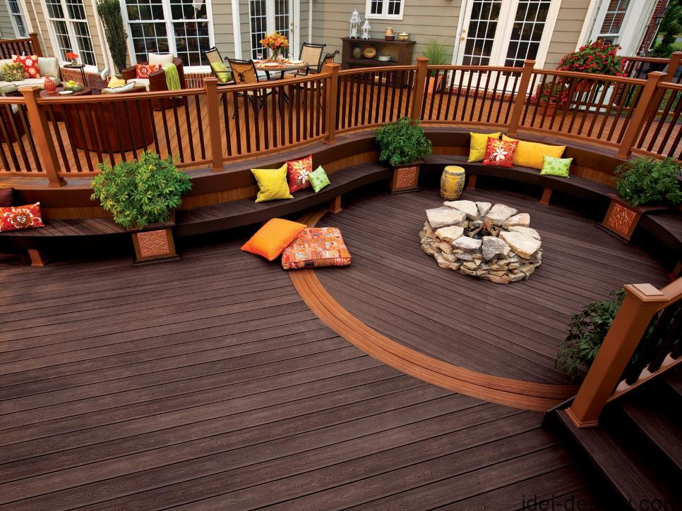 CI_Trex-Outdoor-Deck-Curved-Bench_s4x3.jpg.rend.hgtvcom.966.725