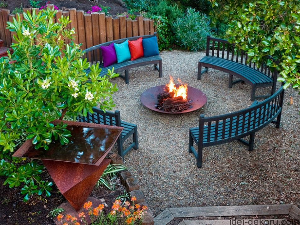 DP_Jane-Ellison-outdoor-fire-pit_s4x3_lg.jpg.rend.hgtvcom.966.725