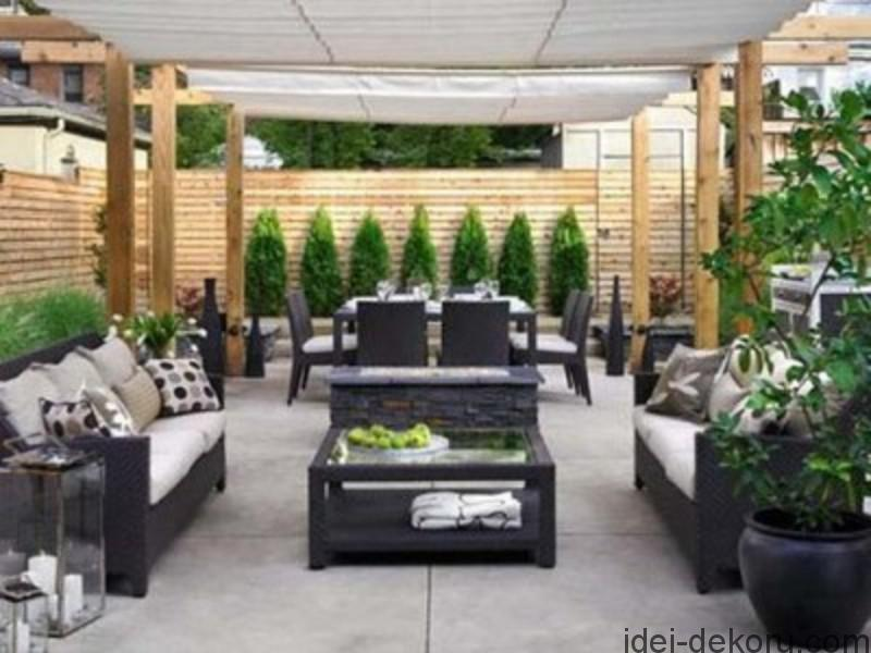 Small backyard patio ideasThe backyard is an extension of your home or an outdoor living space. A small backyard can be made to look good with proper arrangement of furniture, installation of patio and by using small plants which add to the decorations.