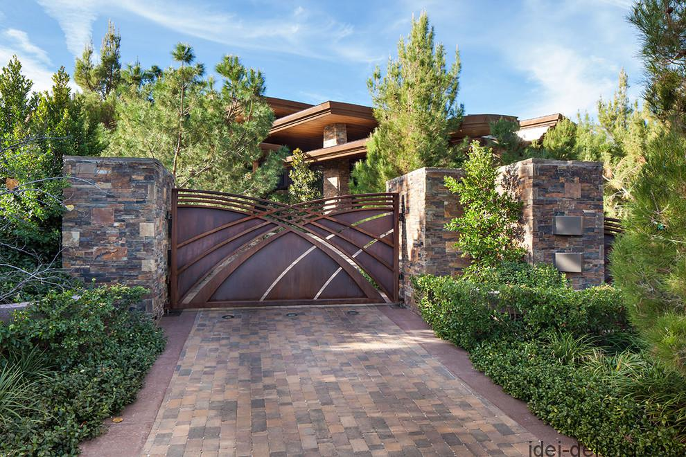 driveway-gate-designs-in-landscape-contemporary-with-cantilevered-roof-artistic-gate-8