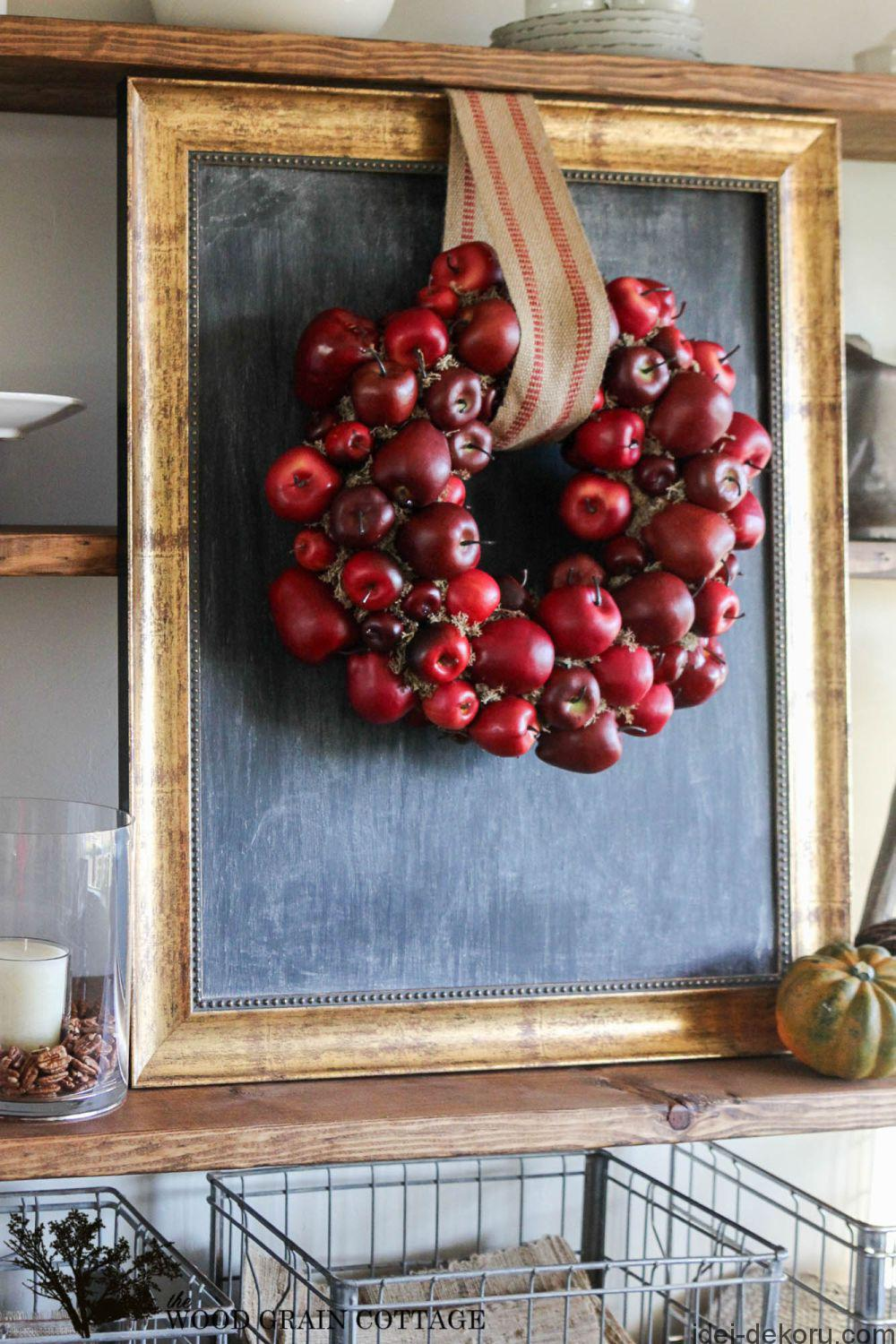 cool-fall-diy-apple-wreath