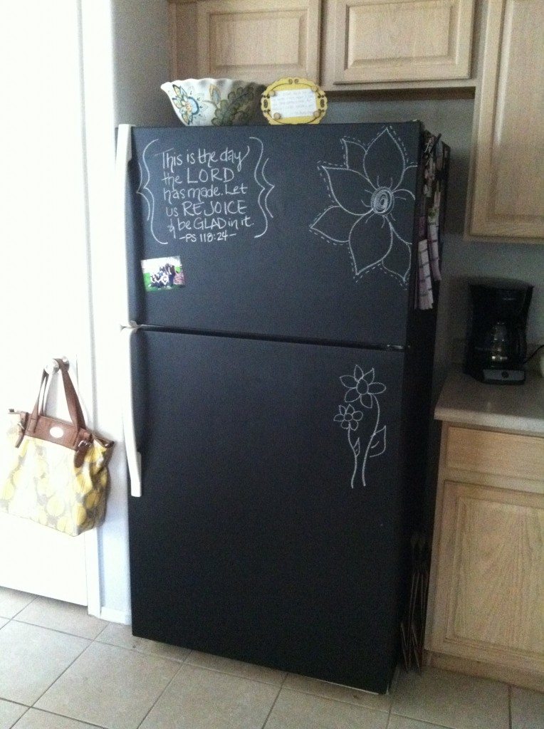 chalkboard-fridge-makeover
