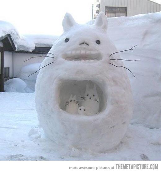 funny-my-neighbor-totoro-snowman