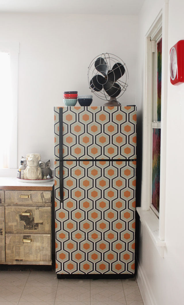 wallpaper-fridge-makeover