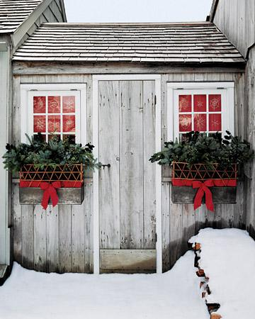front-door-decorations-christmas-ideas-24