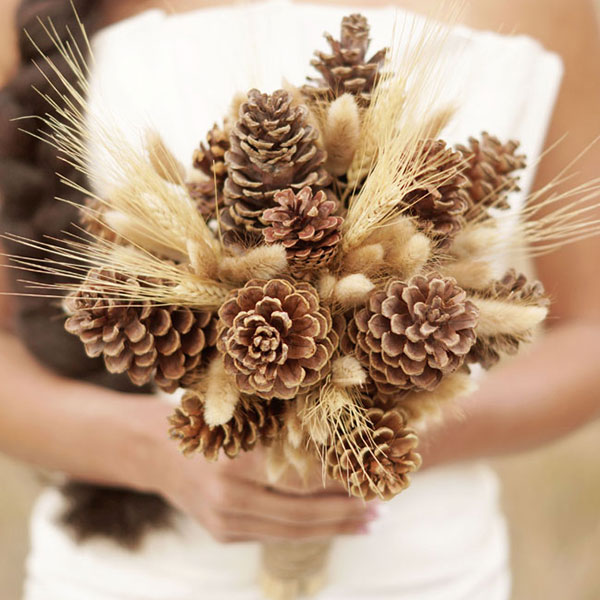 non-floral-bouquets-pinecones-amber-shaw-photography