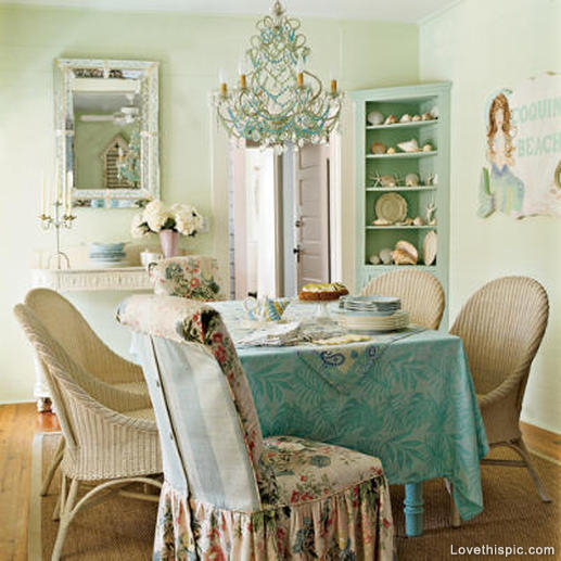 24519-Vintage-Style-Dining-Room
