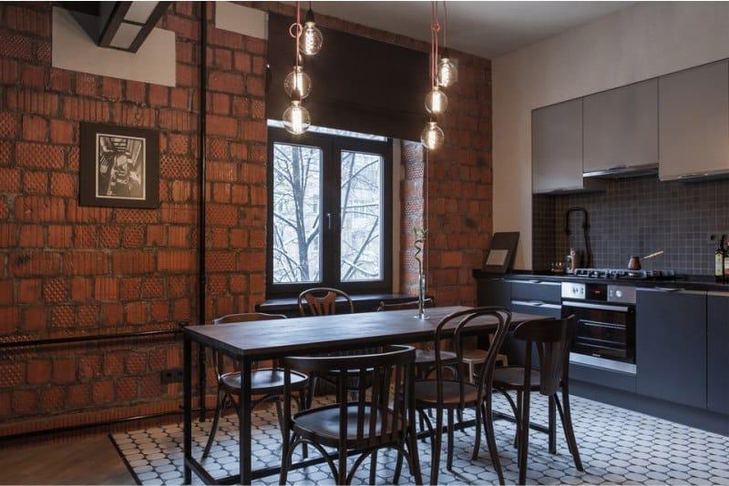 Кирпичная-стена-в-интерьере-кухни-в-стиле-лофт