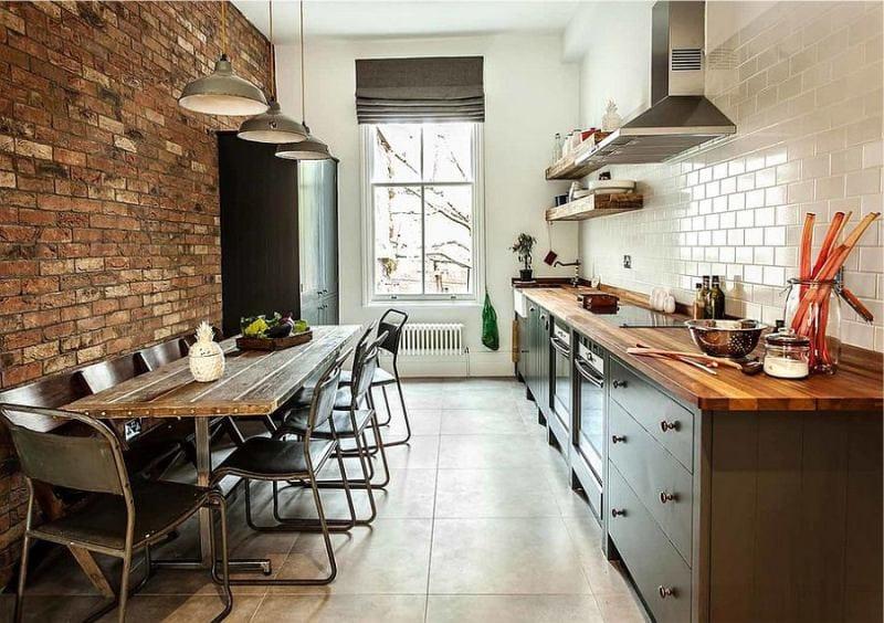 Шторы-в-интерьере-кухни-в-стил-лофт