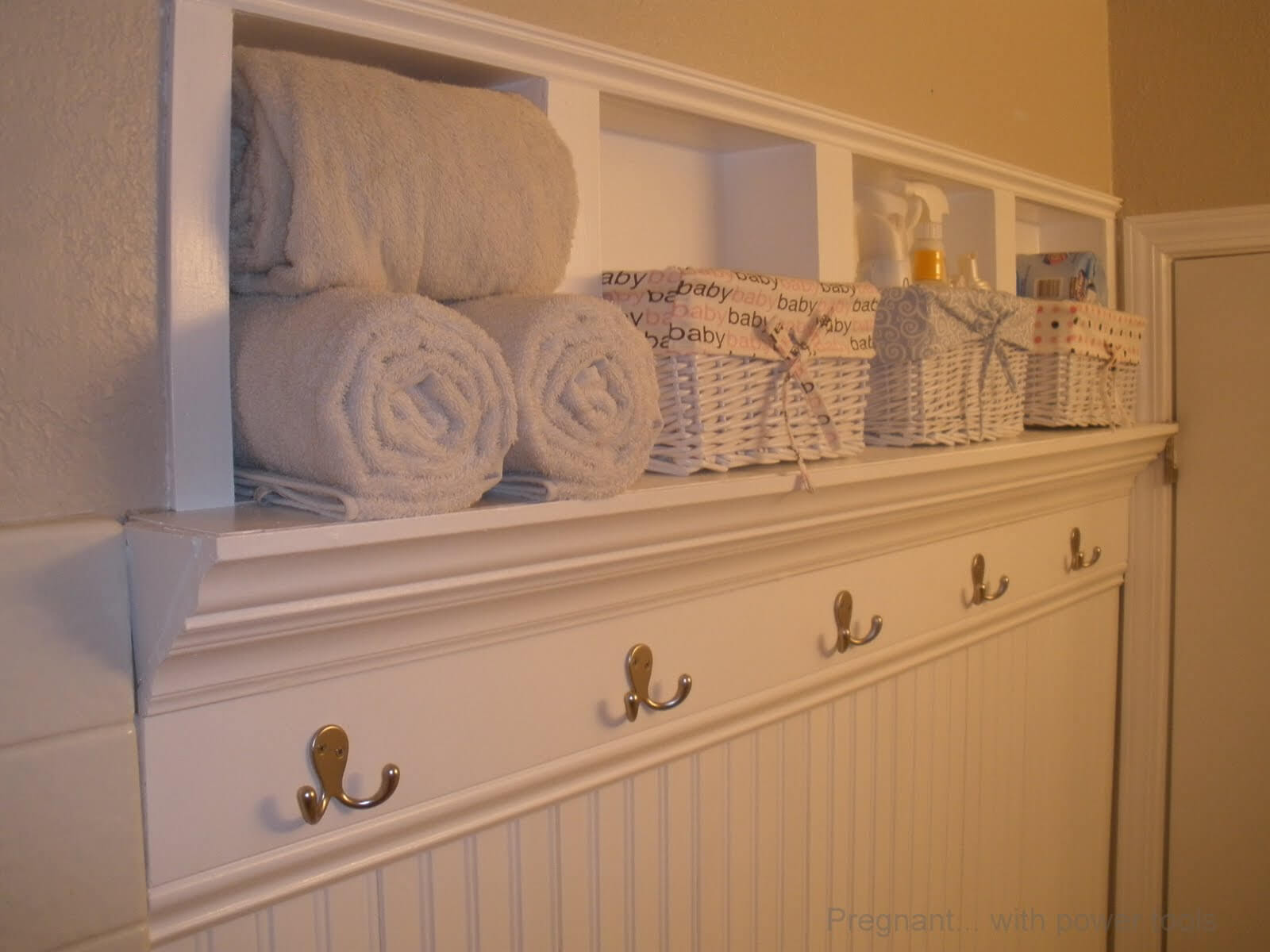 23-small-bathroom-storage-ideas-homebnc