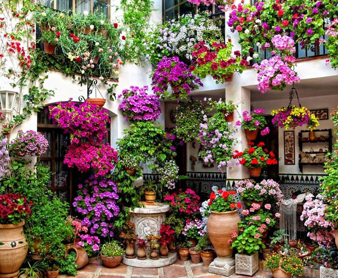 19-a-two-story-hanging-garden-of-flowers-vertical-garden-decor-homebnc