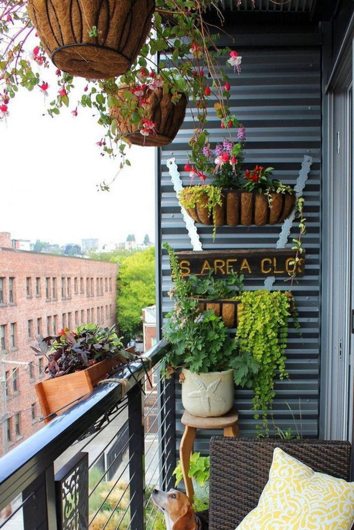 30-balcony-garden-idea-tiny-garden-homebnc