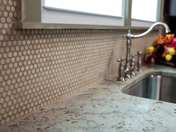 kitchen-backsplash-mosaic-tile_4x3.jpg.rend.hgtvcom.616.462
