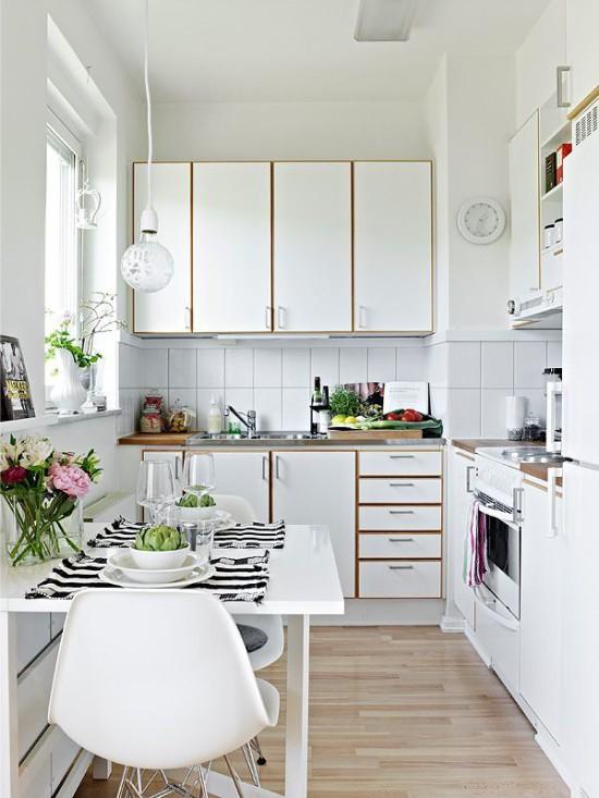 Белая-маленькая-кухня