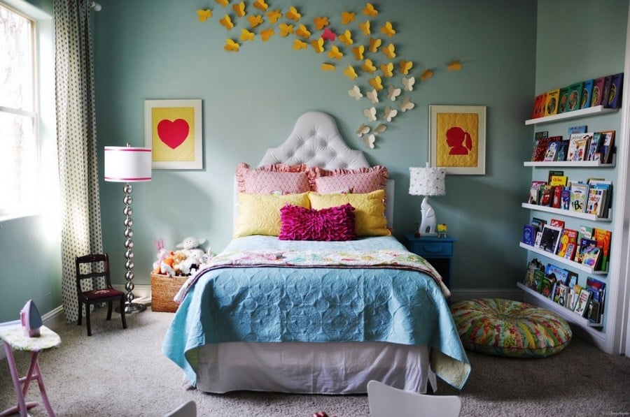 0-butterfly-wall-art-decor-ideas-yellow-and-white-bedroom-fairy-tale-girls-room-book-shelves-upholstered-bed-floor-lamps