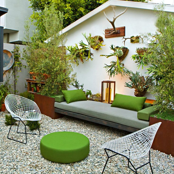 Travel-inspired garden; May'11; Beach Zen garden by Andrew Price Jackson (owner/designer), Venice, CA